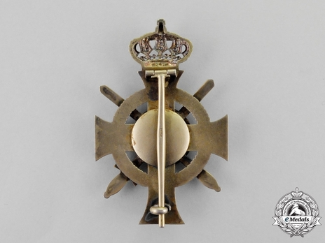 Type II, Military Division, Officer (pin cross with swords in silver gilt)