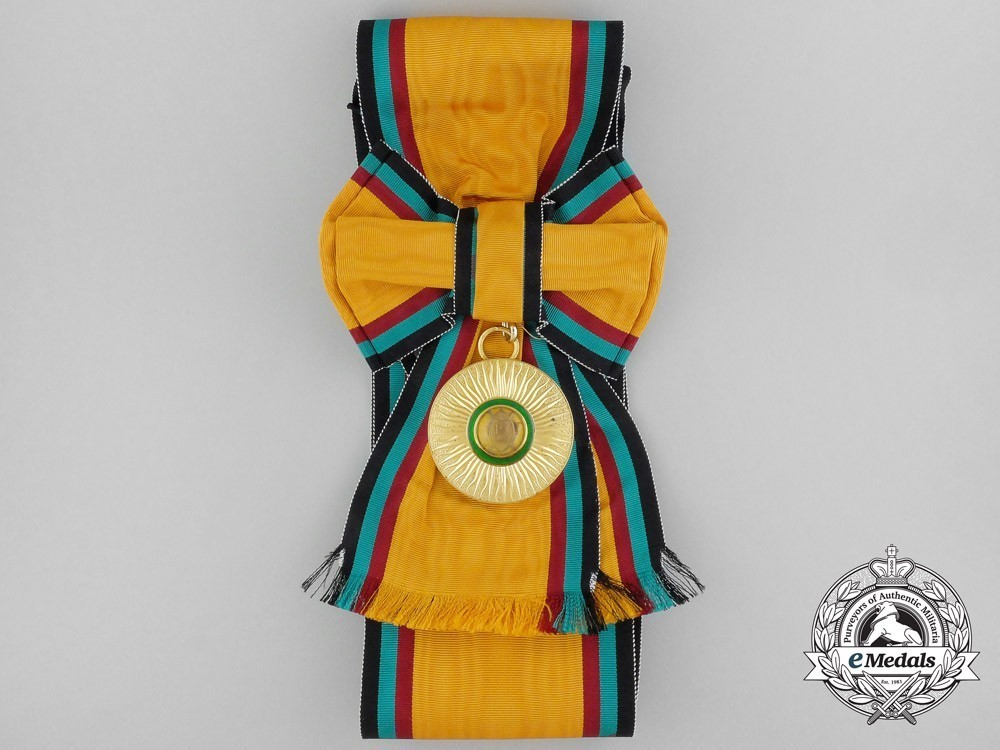 Order+of+the+golden+heart+of+kenya%2c+ii+class+elder+badge+1