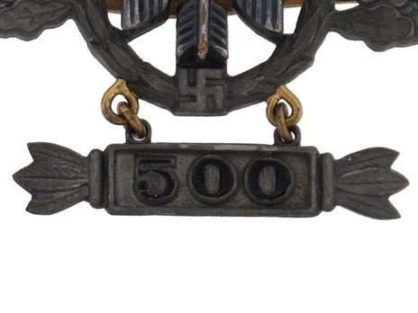 """Short-Range Day Fighter Clasp, in Gold (with """"500"""" pendant) Detail"""