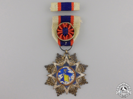 Order of the Cloud and Banner, VI Class Officer Obverse