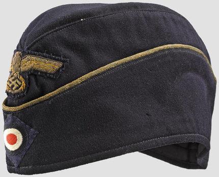 Kriegsmarine Blue Officer Ranks Board Cap (Bullion version) Profile