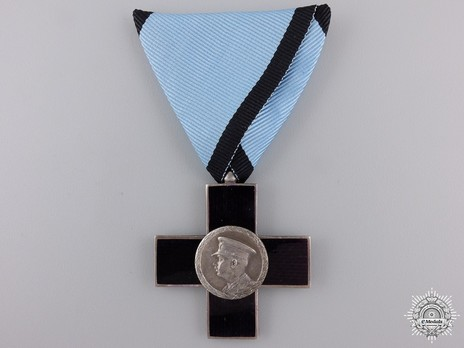 Order of Cultural Merit, Type I, II Class Knight's Cross Obverse