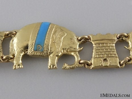 Miniature Collar Obverse
