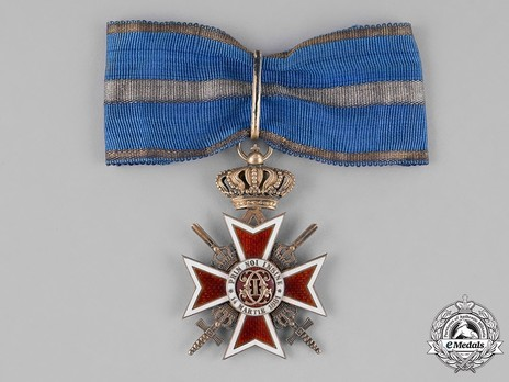 Order of the Romanian Crown, Type II, Military Division, Grand Officer's Cross Obverse