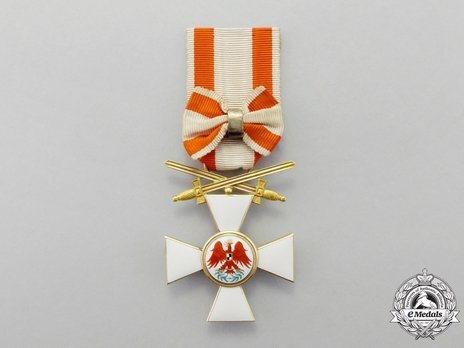 Type V, Military Division, III Class Cross (with bow, crown & swords, in gold) Obverse