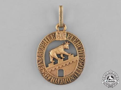Grand Cross (in bronze gilt) Obverse