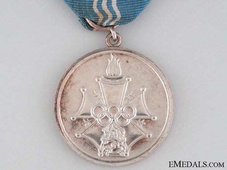 Cross of Merit of the Finnish Olympic Games, Silver Medal Obverse