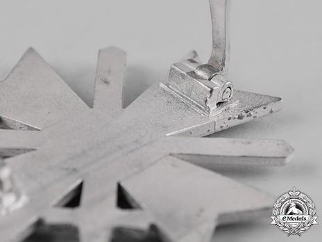 War Merit Cross I Class with Swords, by B. H. Mayer Detail
