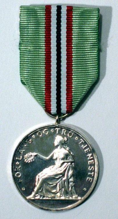 324px medaljen for lang og tro tjeneste advers