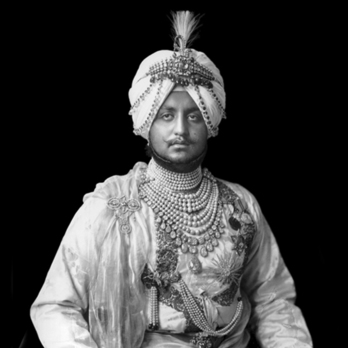 Maharaja Bhupendra Singh wearing the Royal Family Order of Patiala