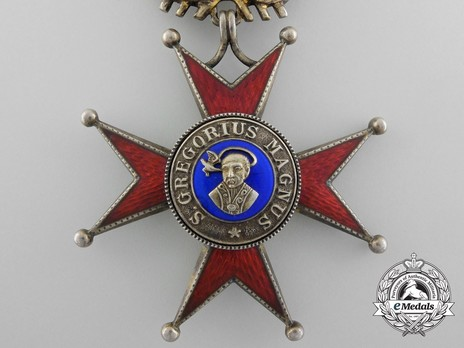 Order of St. Gregory the Great, Grand Cross, Military Division Obverse Detail