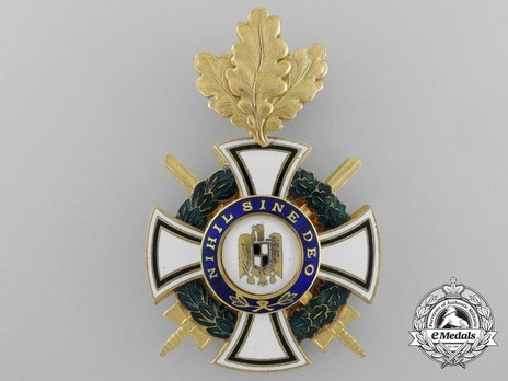 Order of the Royal House, Type II, Military Division, Commander's Cross Obverse