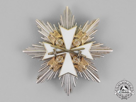 Grand Cross Breast Star with Swords Obverse
