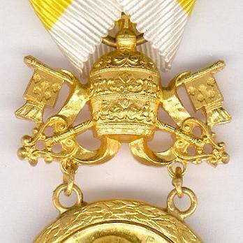 Bene Merenti Medal, Type IX, Gold Medal Obverse Detail