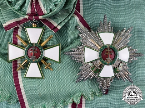Hungarian Order of Merit, Grand Cross, Military Division Set
