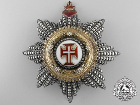Grand Cross Breast Star (with 8 rays) (Gold by Halley) Obverse