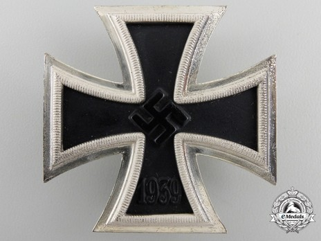 Iron Cross I Class, by B. H. Mayer (26, Type B pin) Obverse