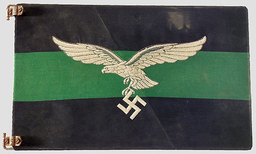 Luftwaffe Regiment Control Flag (Hermann Göring Divison version) Obverse