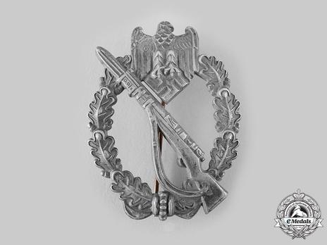 Infantry Assault Badge, by Franke Obverse