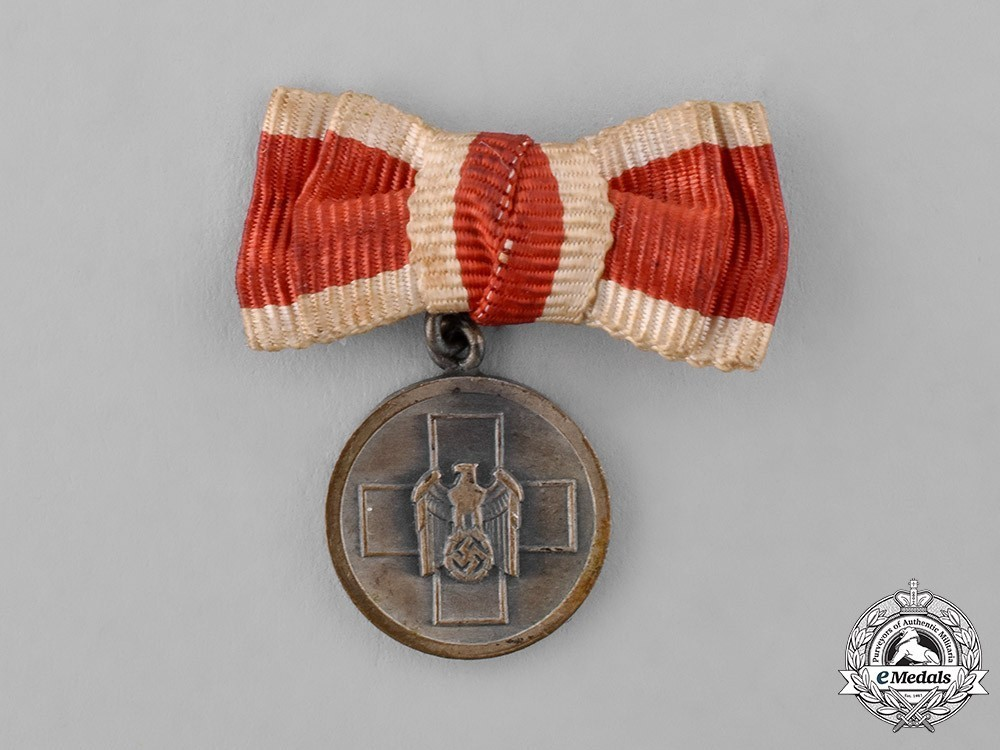Miniature+german+social+welfare+medal+1