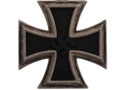 Knight's Cross of the Iron Cross, by C. E. Juncker (upright 2) Obverse