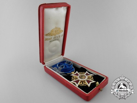 Order of the Romanian Crown, Type I, Civil Division, Officer's Cross Case of Issue