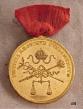 "Merit and Honour Civil Medal ""IVSTITIA REGNORVM FVNDAMENTVM"", Type I, Large Gold Medal"