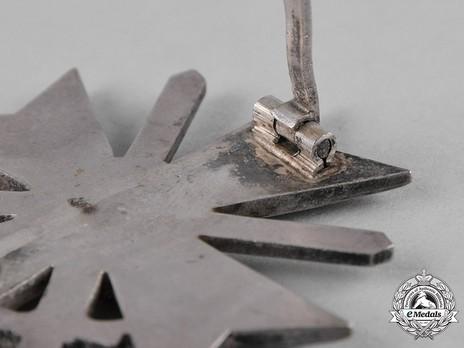 War Merit Cross I Class with Swords, by Deschler (1) Detail