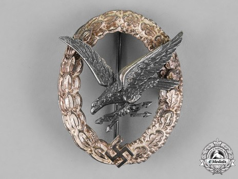 Radio Operator & Air Gunner Badge, by Assmann (in tombac) Obverse