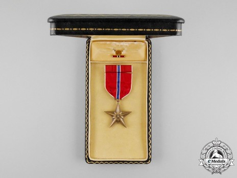 Bronze Star Case of Issue Open