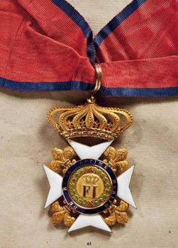 Royal Order of Francis I, Commander (in gold)