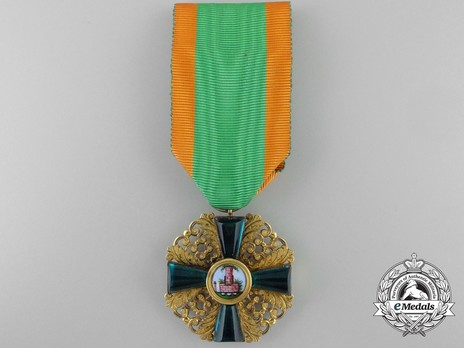 I Class Knight (in gold) Obverse with Ribbon