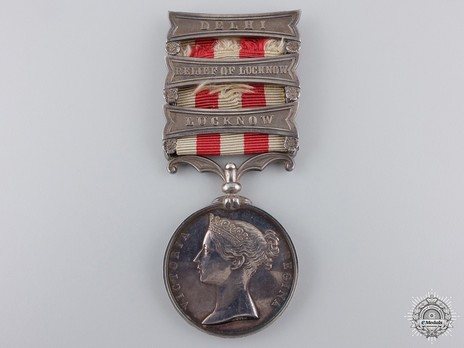 Silver Medal (with 3 clasps) Obverse