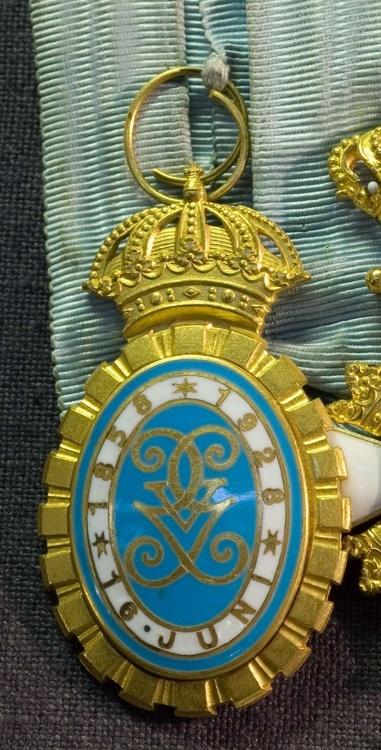 Gold medal obverse1