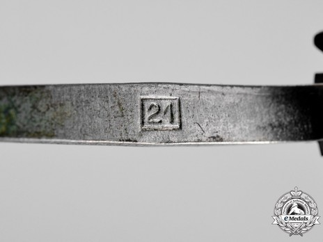 "German Cross, in Gold, by Gebr. Godet (""21"", tombac) Detail"