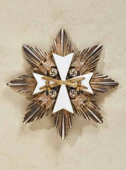 I Class Breast Star with Swords Obverse