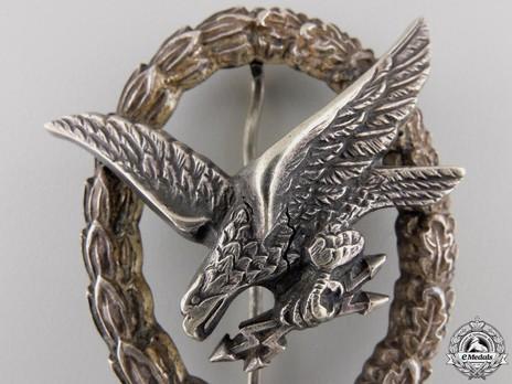 Radio Operator & Air Gunner Badge, by Brüder Schneider Detail