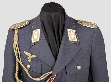 Luftwaffe General Ranks Cloth Tunic Obverse Detail