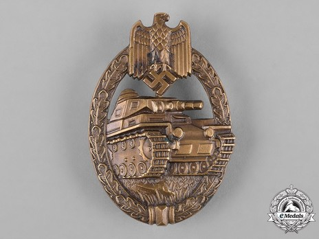 Panzer Assault Badge, in Bronze, by K. Wurster (in tombac) Obverse