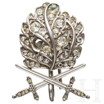 Oak Leaves with Swords and Diamonds to the Knight's Cross of the Iron Cross (by Klein, Type B)