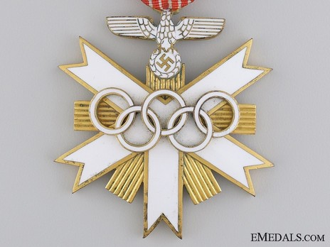 German Olympic Games Decoration, II Class Obverse