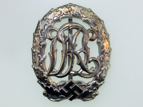 DRL Sports Badge, in Silver Obverse