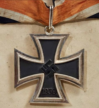 Knight's Cross of the Iron Cross, by C. E. Juncker (L/12 800) Obverse