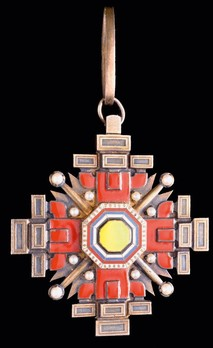 Order of the Pillars of the State, I Class Grand Cordon Obverse