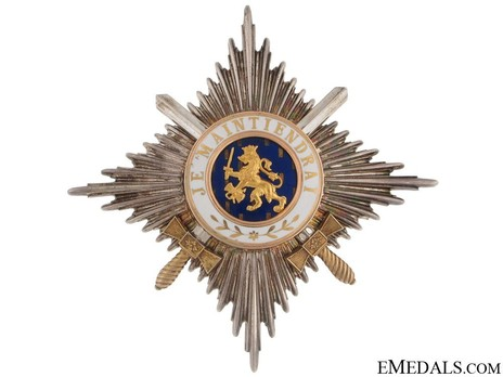Grand Officer Breast Star (Military Division) Obverse