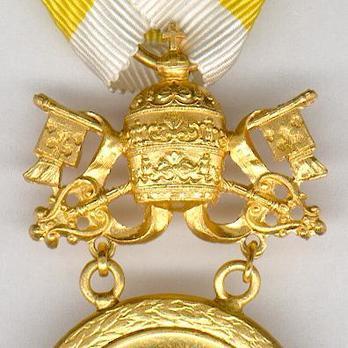 Bene Merenti Medal, Type X, Gold Medal Obverse Detail