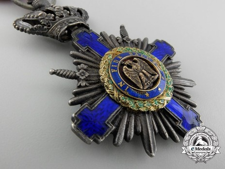 The Order of the Star of Romania, Type I, Military Division, Knight's Cross (wartime) Obverse