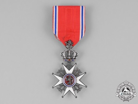 Order of St. Olav, Knight II Class, Civil Division Obverse