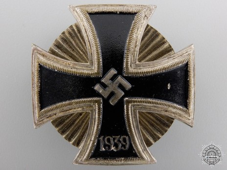 Iron Cross I Class, by W. Deumer (Schinkel, screwback) Obverse