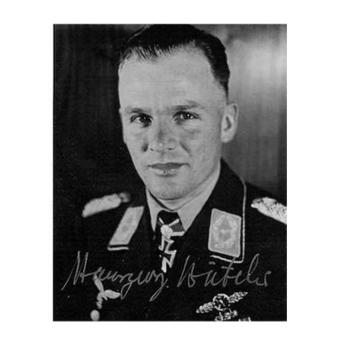 Hansgeorg Batcher wearing a Bomber Clasp
